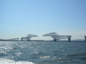 建設中の臨海大橋