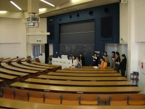 探検ポイント-八十年館階段教室